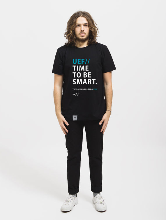 UEF Slim-fit T-shirt black / time to be smart