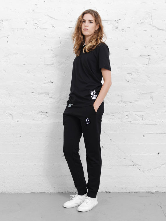 UEF Slim-Fit Sweatpants black